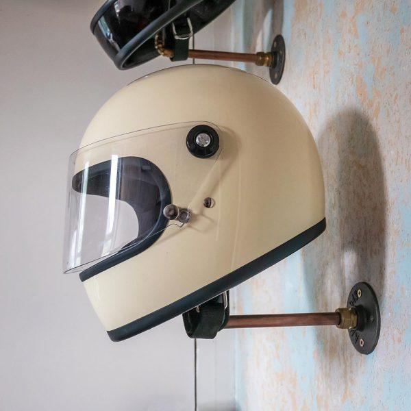 brain_freeze_helmet_stand_7